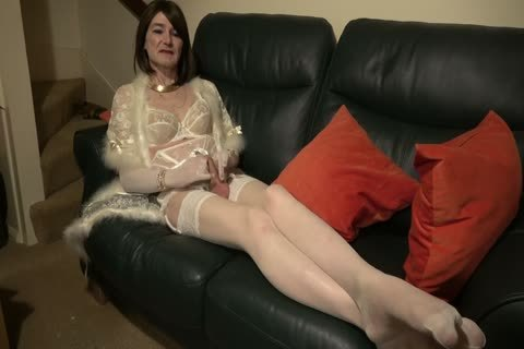 Sophie London: engulfing cock In White nylons And underware